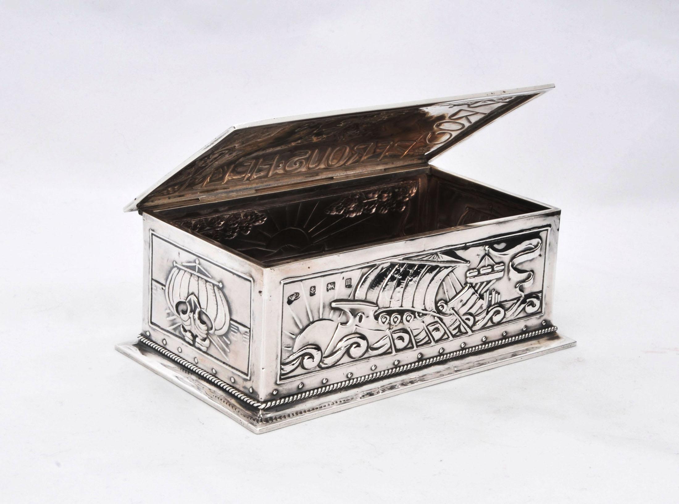 A E Jones arts and crafts silver box